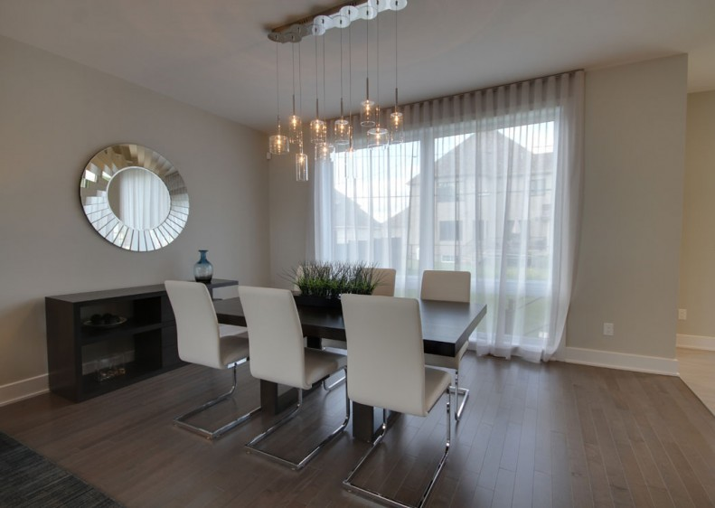 Prestigious homes in Laval