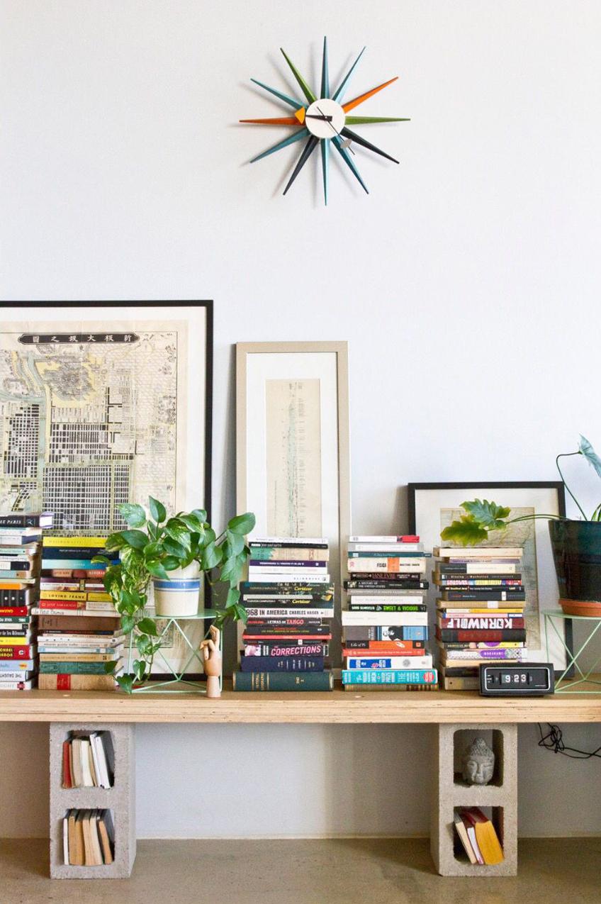 Livres, cadres, bibliothèque DIY