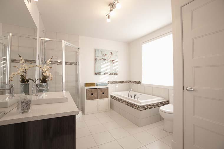 Salle de bain du condo Val-des-Ruisseaux Laval
